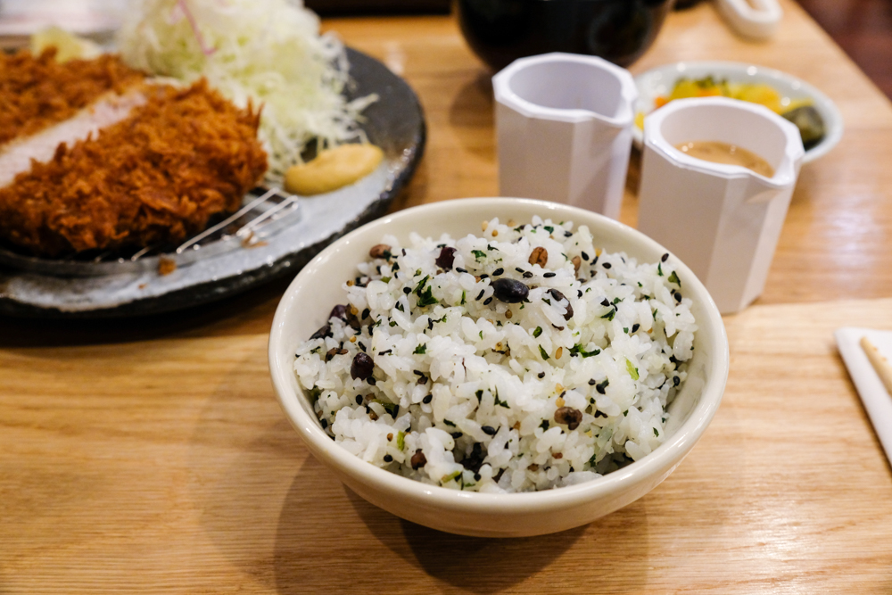 The five-grain rice has a touch of wasabi mixed in to give it that slight spice, which offsets the sweet tonkatsu sauce well.