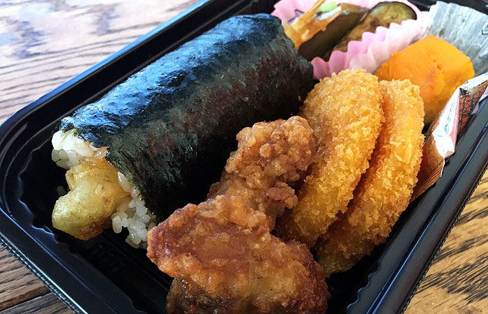 Torn between the Chicken karaage bento and shrimp roll set? Get the latter, since it includes a few pieces of karaage.