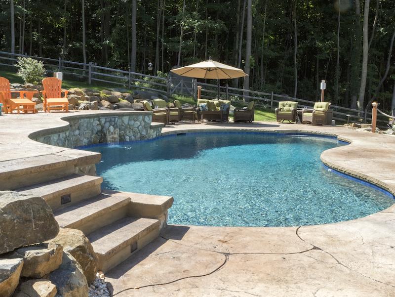 Custom step and bond beam on gunite pool