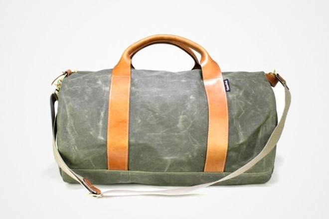 Voyager waxed canvas weekender