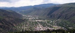 Glenwood_springs_commons