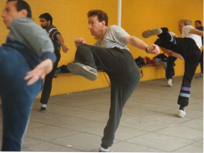 Capoeira kicking technique