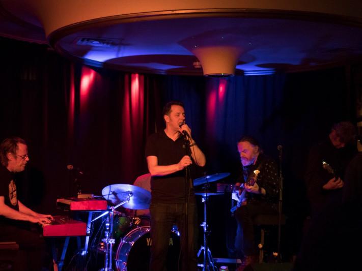 Los PaRadiso w/Special Guest  Luka Bloom tickets - Dolans pub