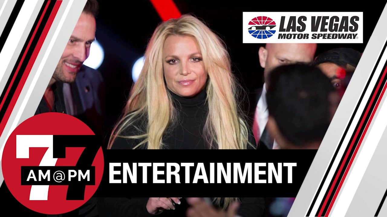 7@7PM Fans Support Britney Spears
