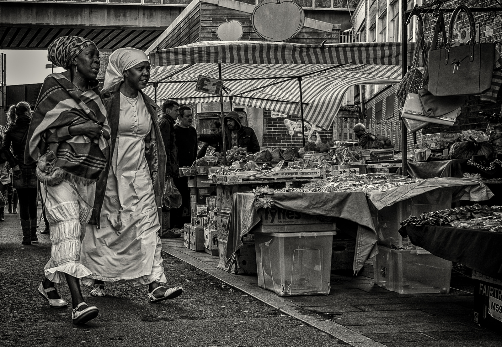 Brixton people XT1S8101bw2.jpg