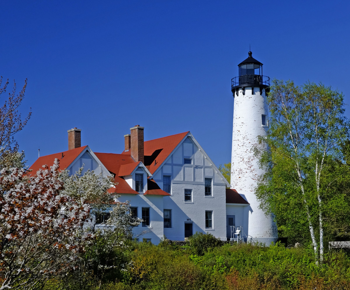 Iroquois Point Lighthouse 3.jpg