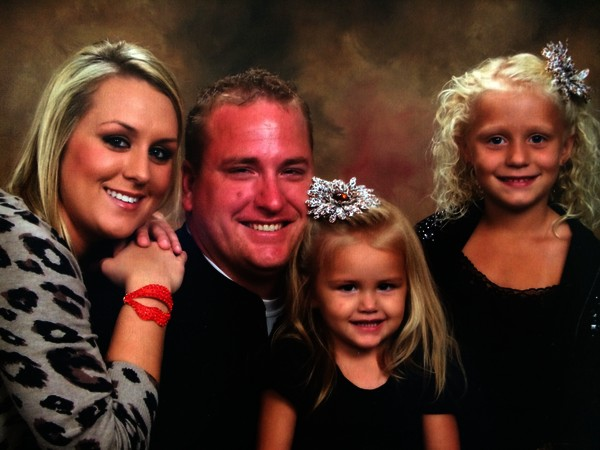 Payton and her mommy & daddy & sister Camryn