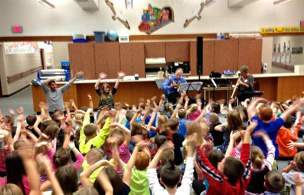 Renee Smith & Joe Nickel lead students in workshops at AC Valley Elementary