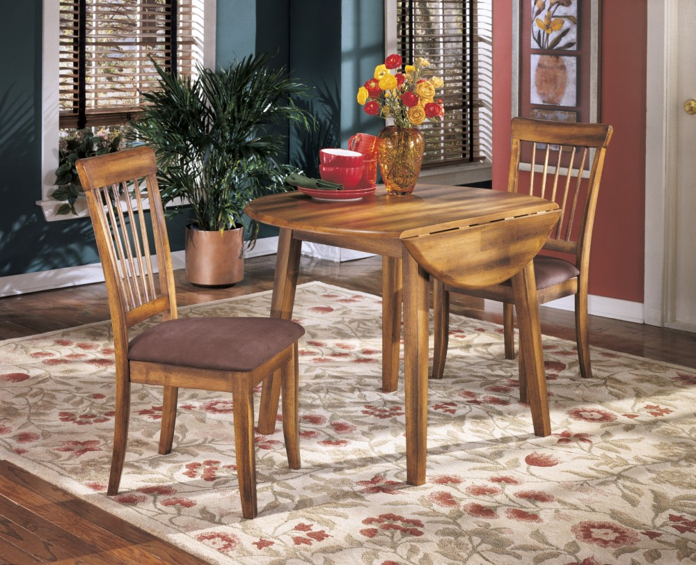 Berringer Round Dining Room Drop Leaf Table 2 Uph Side Chairs