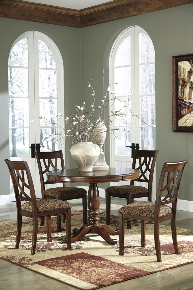 Leahlyn Round Table U0026 4 Upholstered Chairs