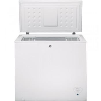 GENERAL ELECTRIC GE(R) 7.0 Cu. Ft. Manual Defrost Chest Freezer
