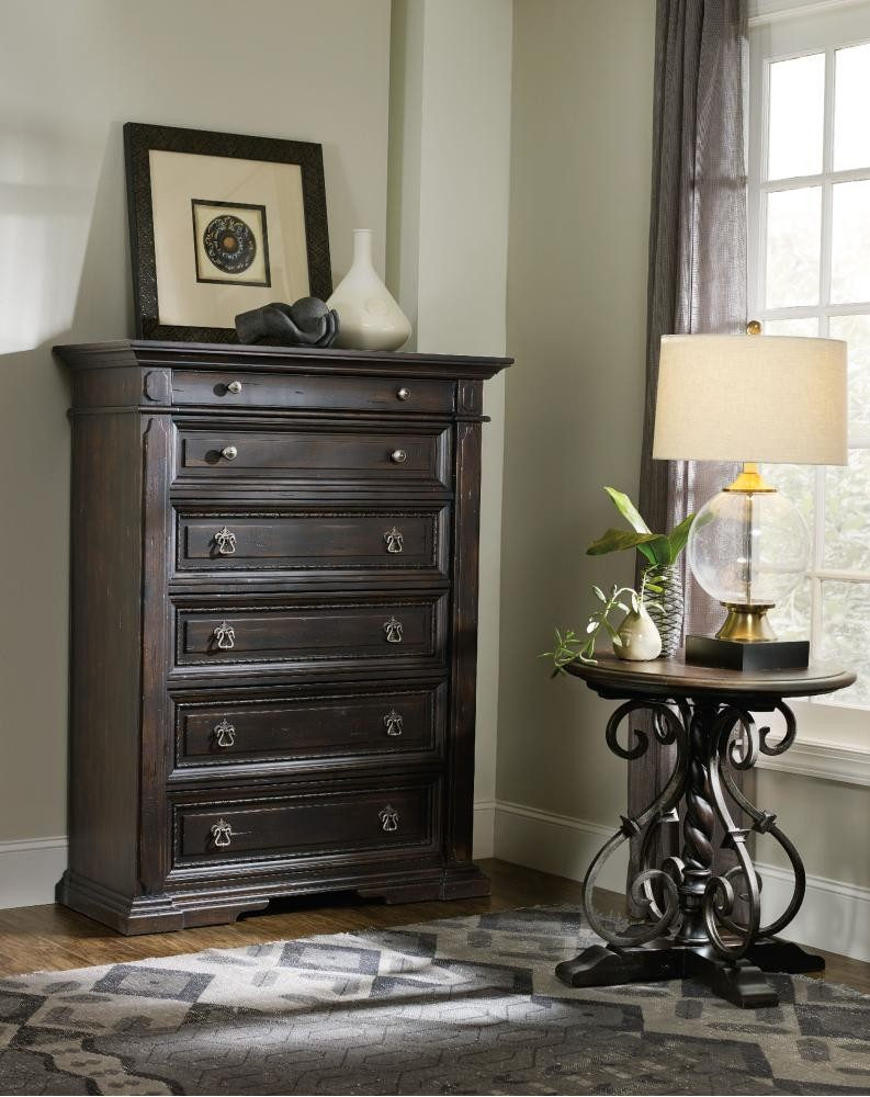 fe5855040a3 Treviso Chest