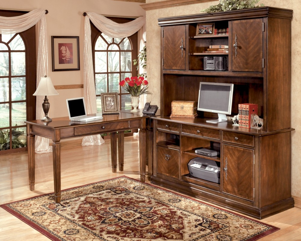 Hamlyn - Medium Brown - Home Office Small Leg Desk