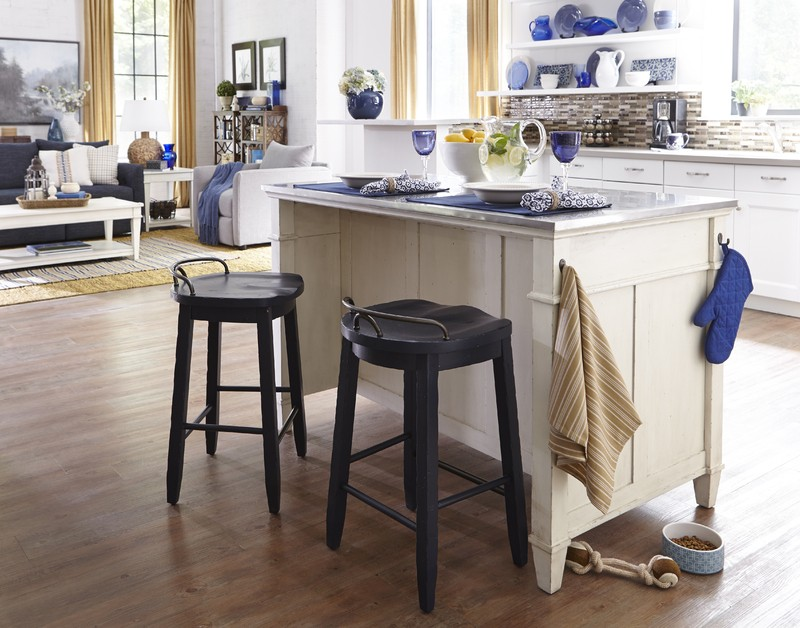 trisha yearwood kitchen island cowboy stool - Cowboy Kitchen