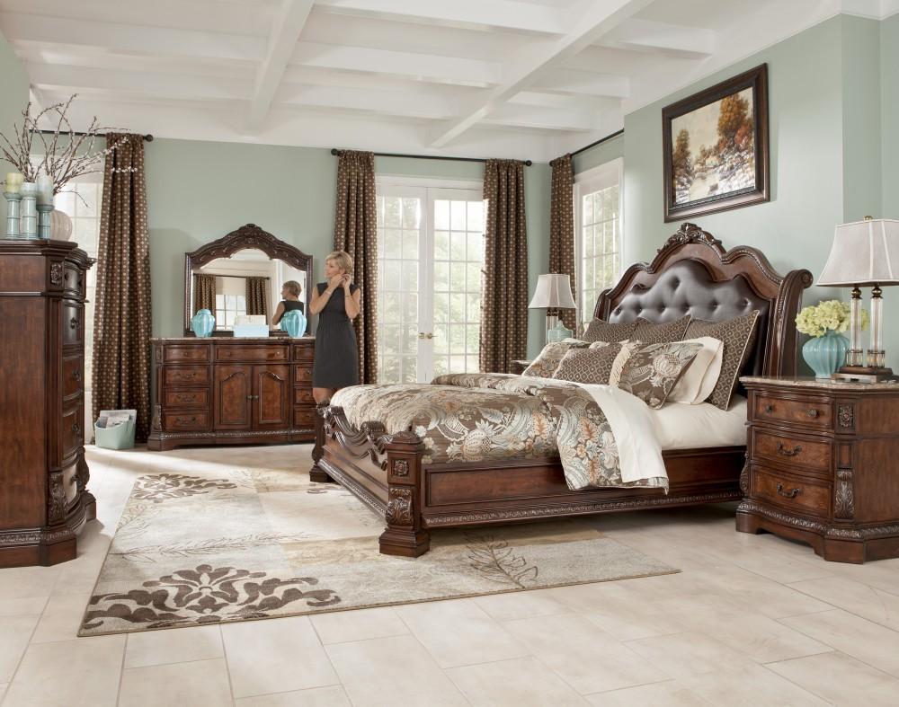 6 PC Ledelle Cal King Bed Set