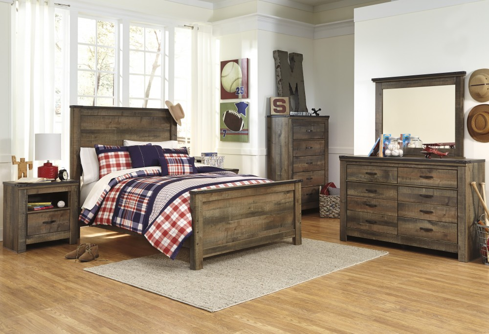 Trinell 5 Pc. Bedroom - Dresser, Mirror & Full Panel Bed
