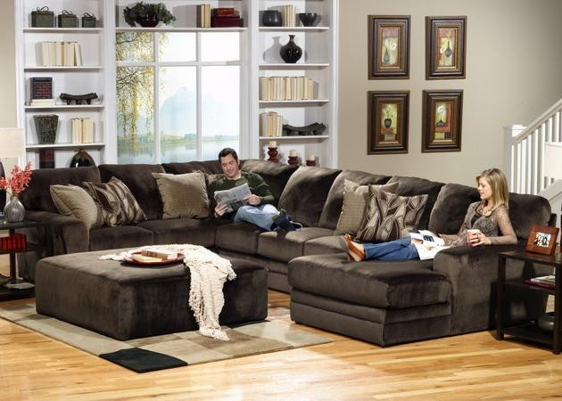 Jackson Furniture Everest 3 Pc. Sectional w/Ottoman