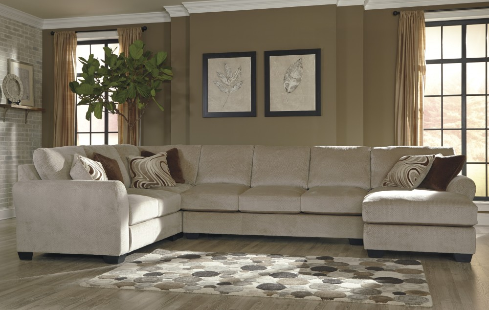 Hazes - Fleece 4 Pc RAF Chaise Sectional with Armless Sofa