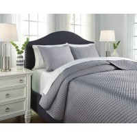 Dietrick - Gray - King Quilt Set