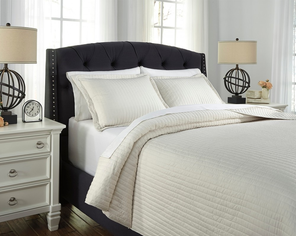 Raleda - Buff - Queen Coverlet Set