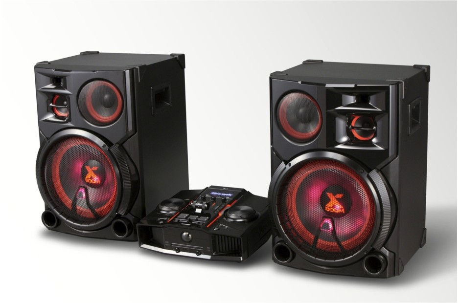 LG 4800W Hi-Fi Entertainment System with Bluetooth(R) Connectivity