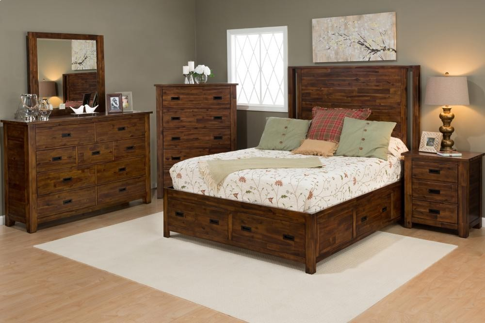 Coolidge Corner 5 Piece King Bedroom Set: Bed, Dresser, Mirror, Chest,