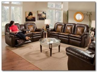 Sting Ray Reclining Living Room Group