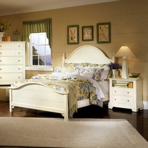 Cottage Creamy White Bedroom Group