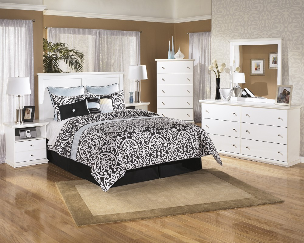 Bostwick Shoals 4 Pc. Bedroom - Dresser, Mirror, Chest, Queen/Full Panel  Headboard