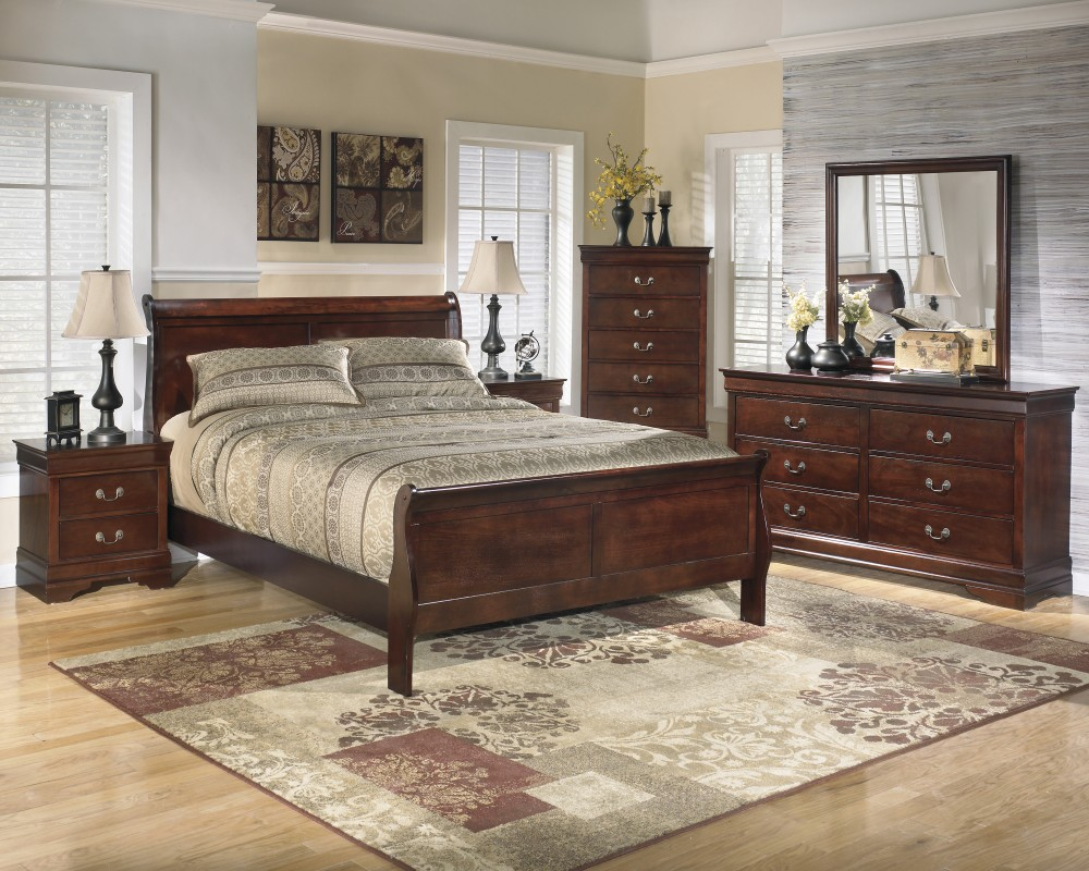 Alisdair 4 Pc. Bedroom - Dresser, Mirror & Queen Sleigh Bed