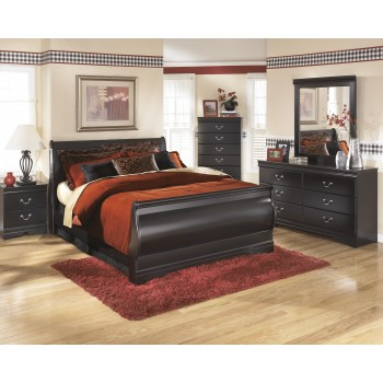 Huey Vineyard 7 Pc. Bedroom - Dresser, Mirror, Queen Sleigh Bed & 2 Nightstands