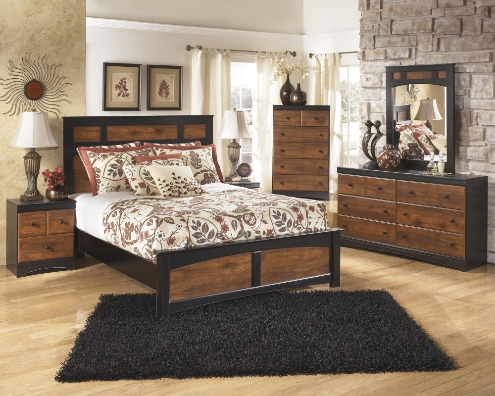 Aimwell 5 Pc. Bedroom - Dresser, Mirror & Queen Panel Bed