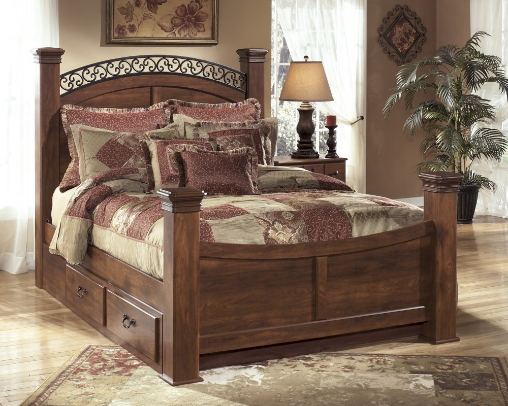 Timberline Queen Poster Bed with Storage
