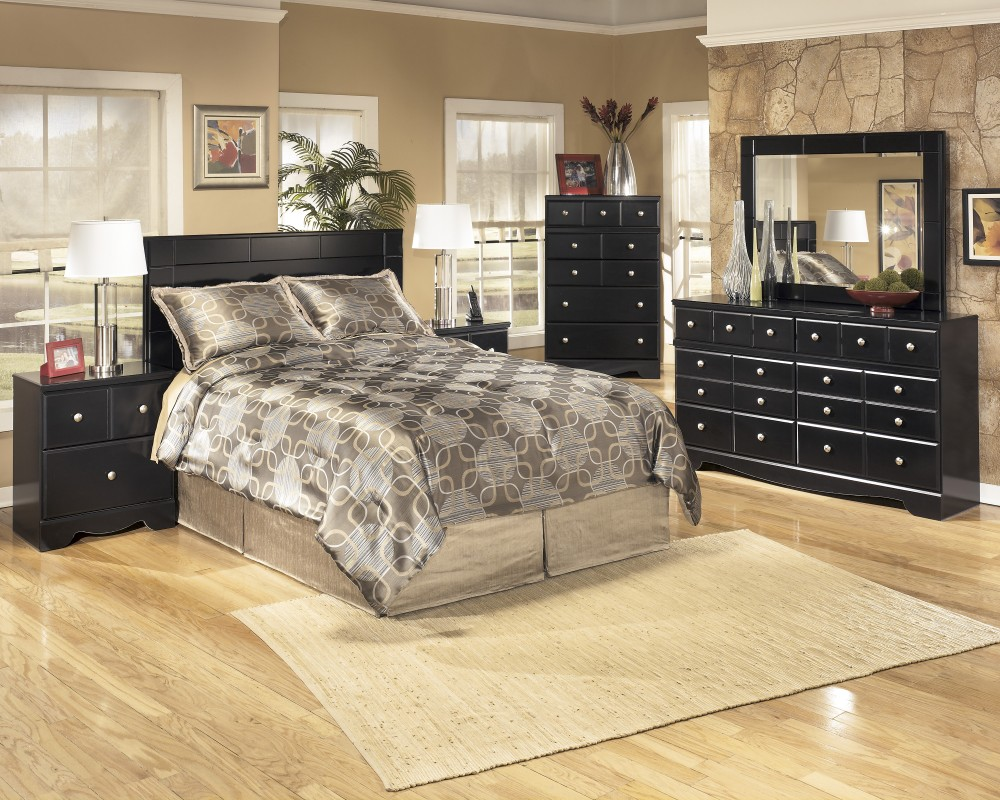 Shay 3 Pc. Bedroom - Dresser, Mirror & Queen/Full Panel Headboard