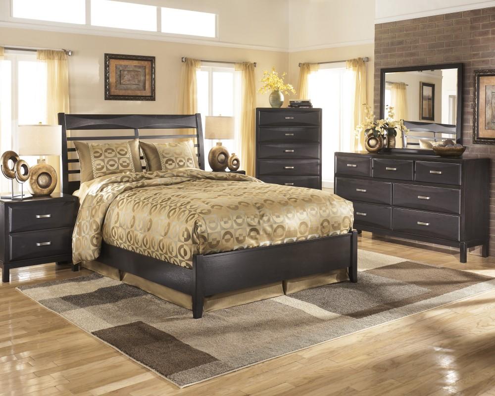Kira 5 Pc. Bedroom - Dresser, Mirror & Queen Panel Bed