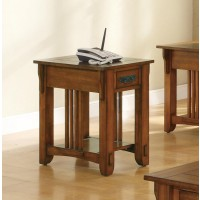 LIVING ROOM: WOOD TOP OCCASIONAL TABLES - Occasional Traditional Oak Accent Table