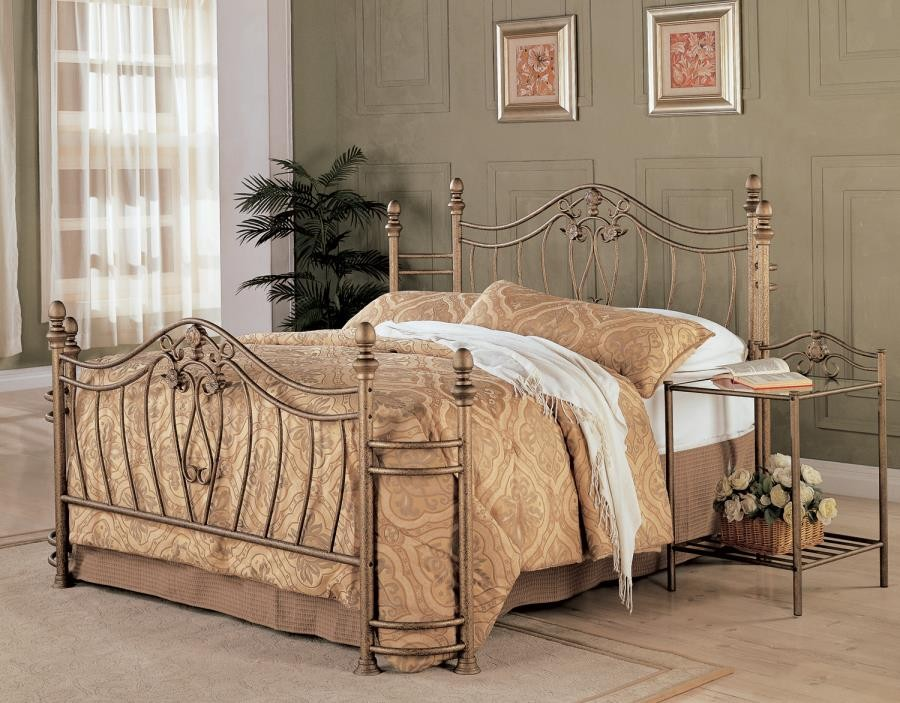 Sydney Metal bed - Sydney Traditional Antique Brushed Queen Bed