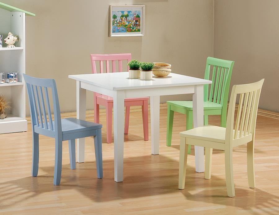 RORY COLLECTION - Rory Five-Piece Youth Table and Chairs
