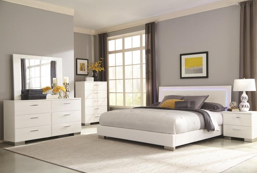 Felicity Collection Felicity Contemporary Glossy White Lighted Queen Bed