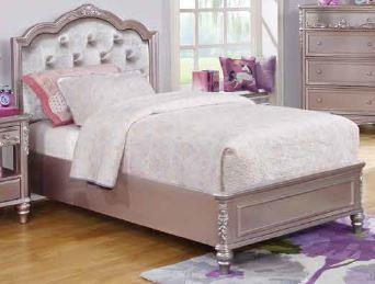 CAROLINE COLLECTION - Caroline Metallic Lilac Full Bed