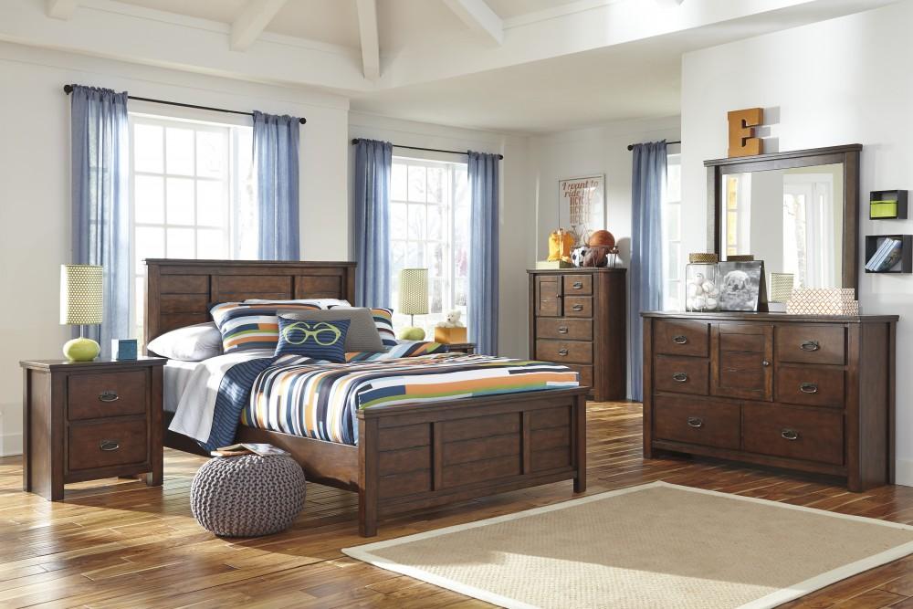 Ladiville Full Bed, Dresser & Mirror