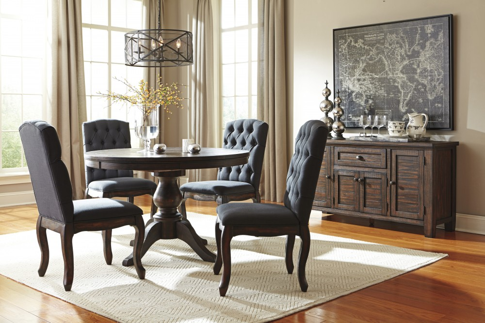 Awesome Trudell Golden Brown Round Dining Room Table 4 Uph Side Chairs Interior Design Ideas Inesswwsoteloinfo