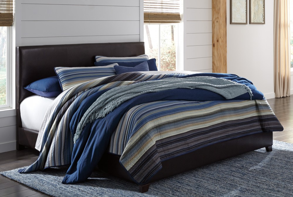 Monaka - Multi - King Upholstered Bed