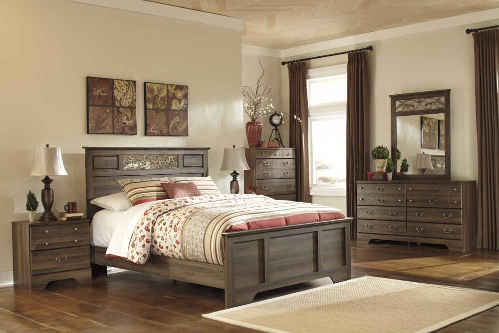 Allymore 5 Pc. Bedroom - Dresser, Mirror & Queen Panel Bed