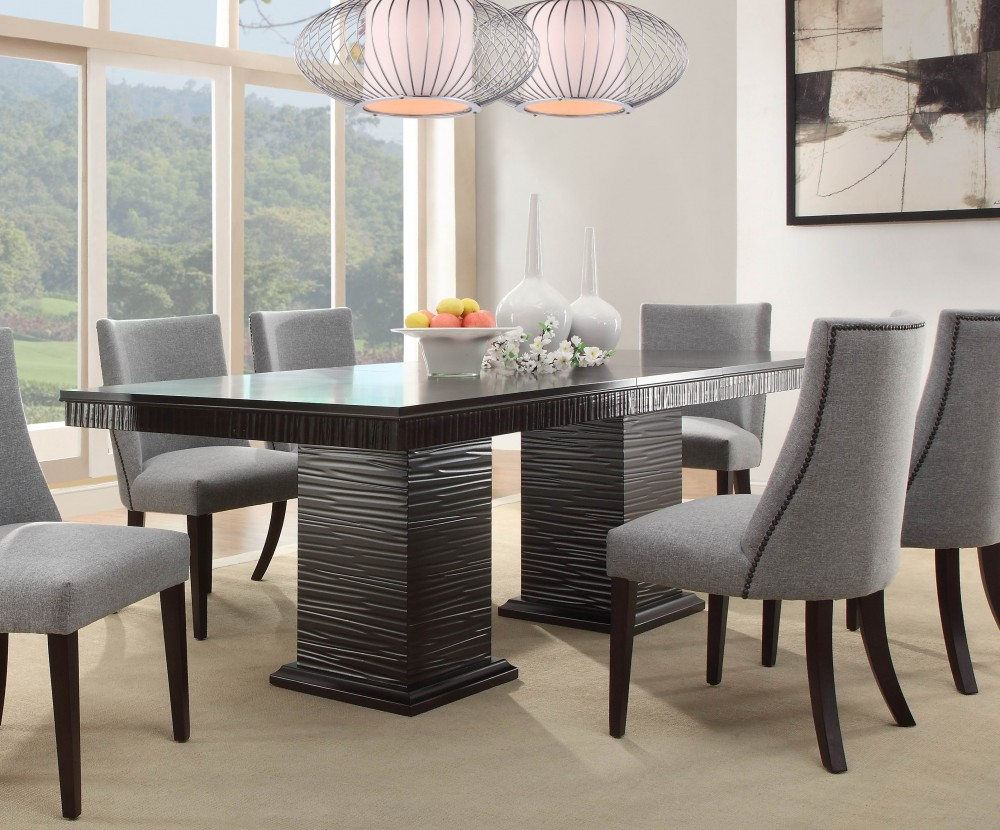 Attrayant Maximilian Dining Table With 6 Chairs