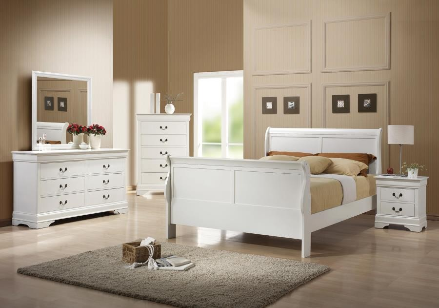 Louis Philippe Traditional White Queen Four-Piece Set
