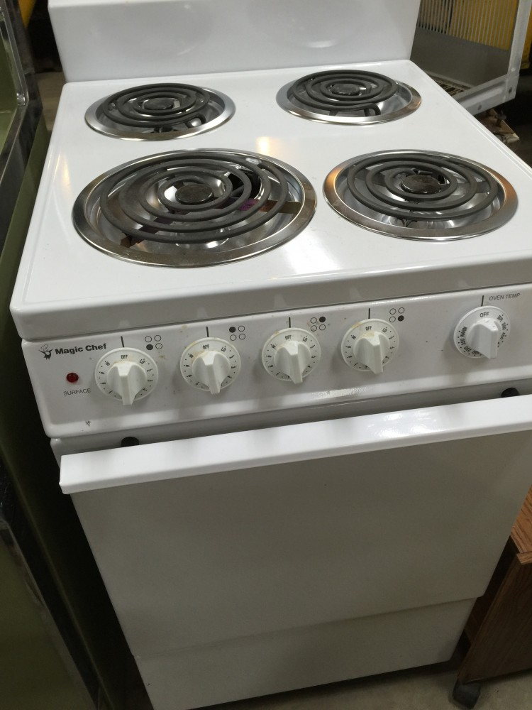 Magic Chef Electric Range | 236 | Freestanding Coil Electric ...