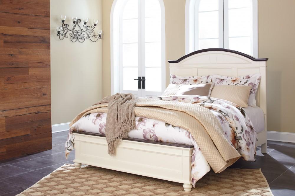 Woodanville Queen Panel Bed
