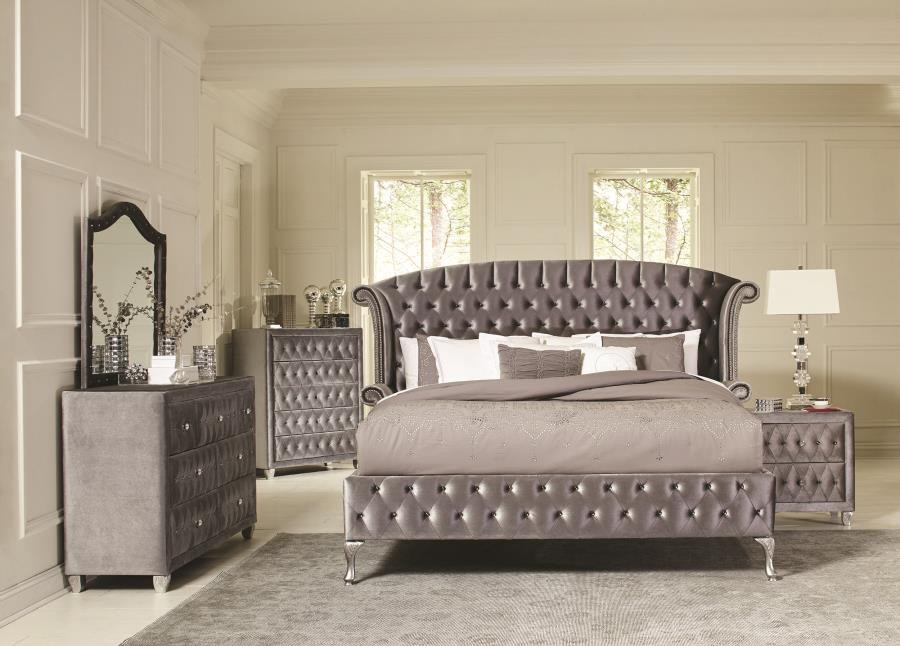 DEANNA BEDROOM COLLECTION - Deanna Bedroom Traditional Metallic Queen Bed