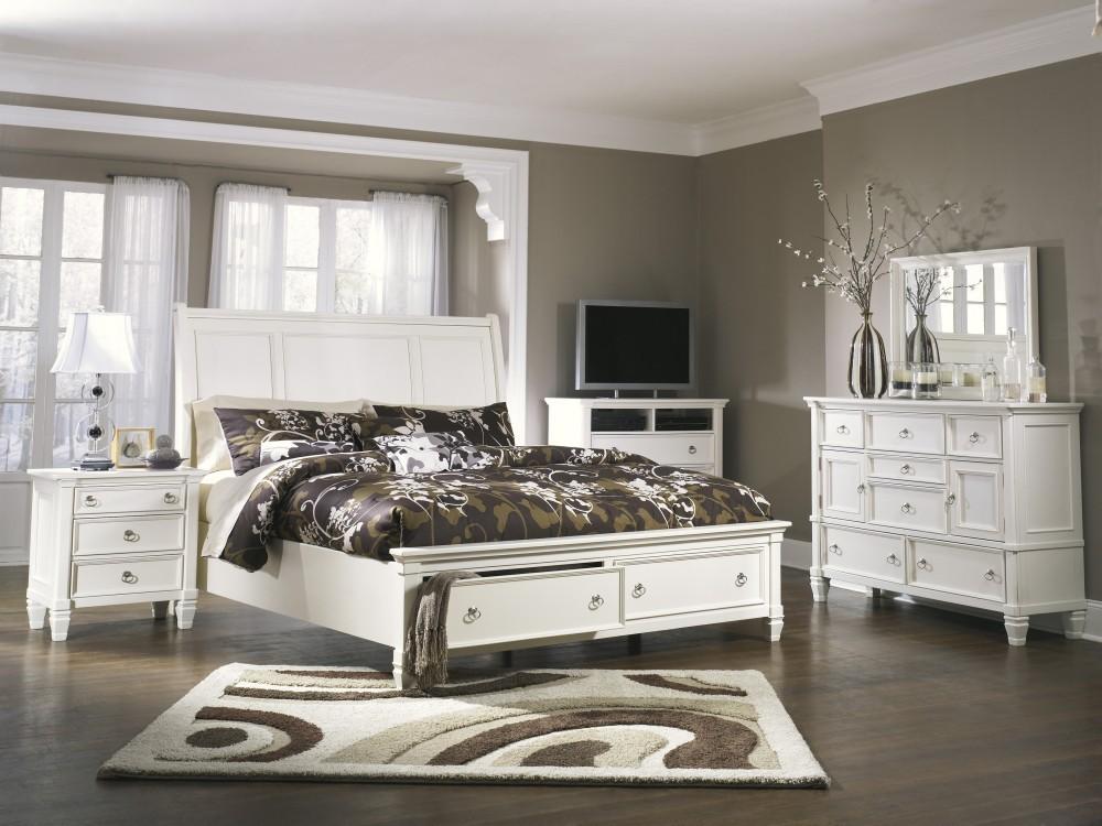 Prentice 5 Pc. Bedroom - Dresser, Mirror & Queen Sleigh Bed with Storage